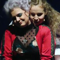 rechts: Lisa Marie Gerl